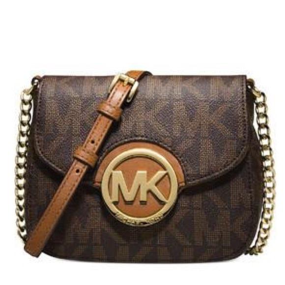 Michael Kors Handbags - Michael KORS signature print Fulton sm CROSSBODY